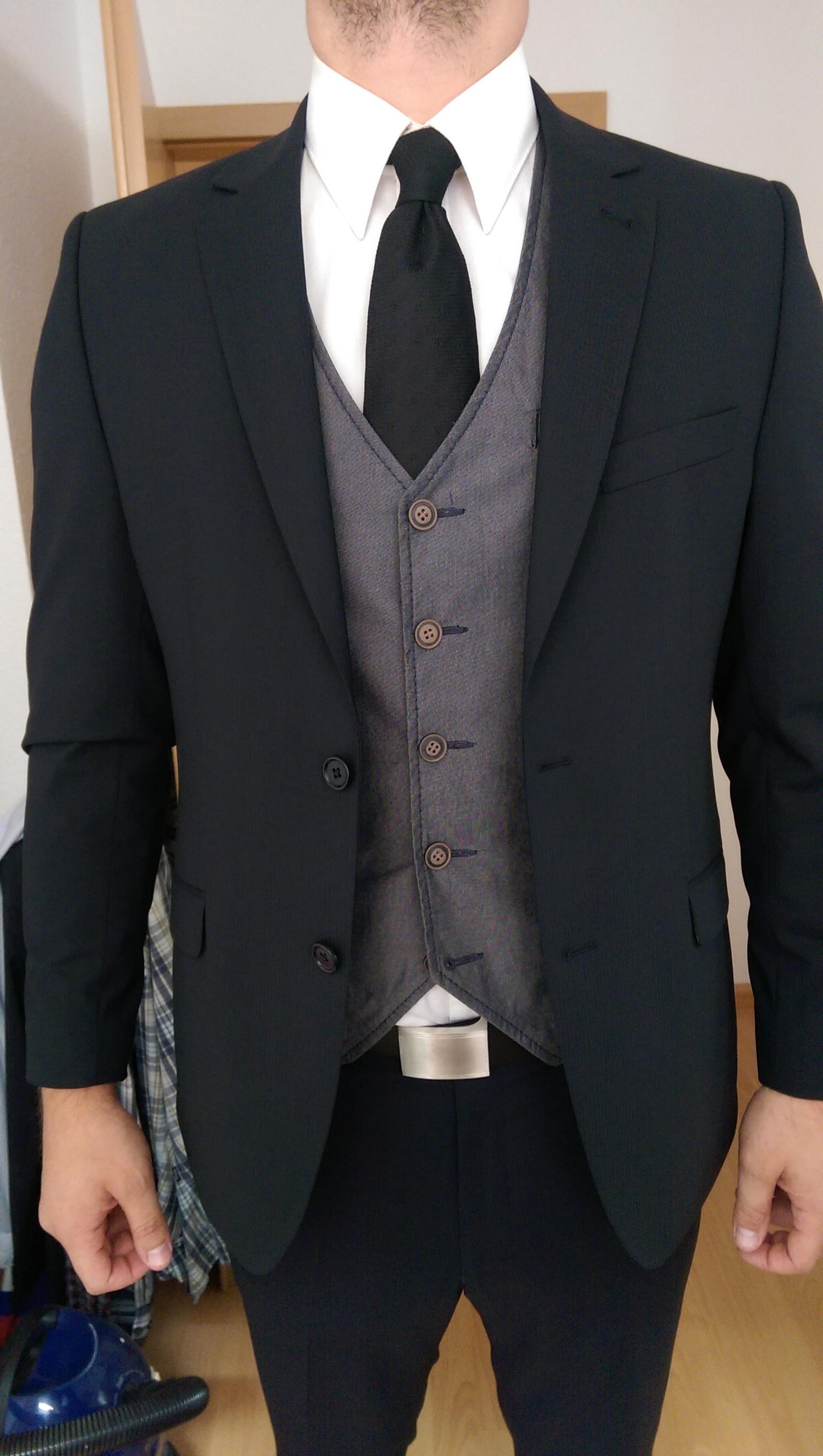 schwarzer anzug graue weste blog f r jacken und twists. Black Bedroom Furniture Sets. Home Design Ideas