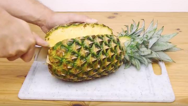 Simpler Ananas-Schneide-Trick