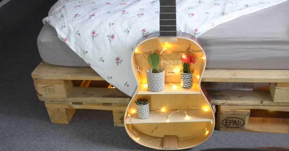 diy regal aus alter gitarre wer weiss. Black Bedroom Furniture Sets. Home Design Ideas