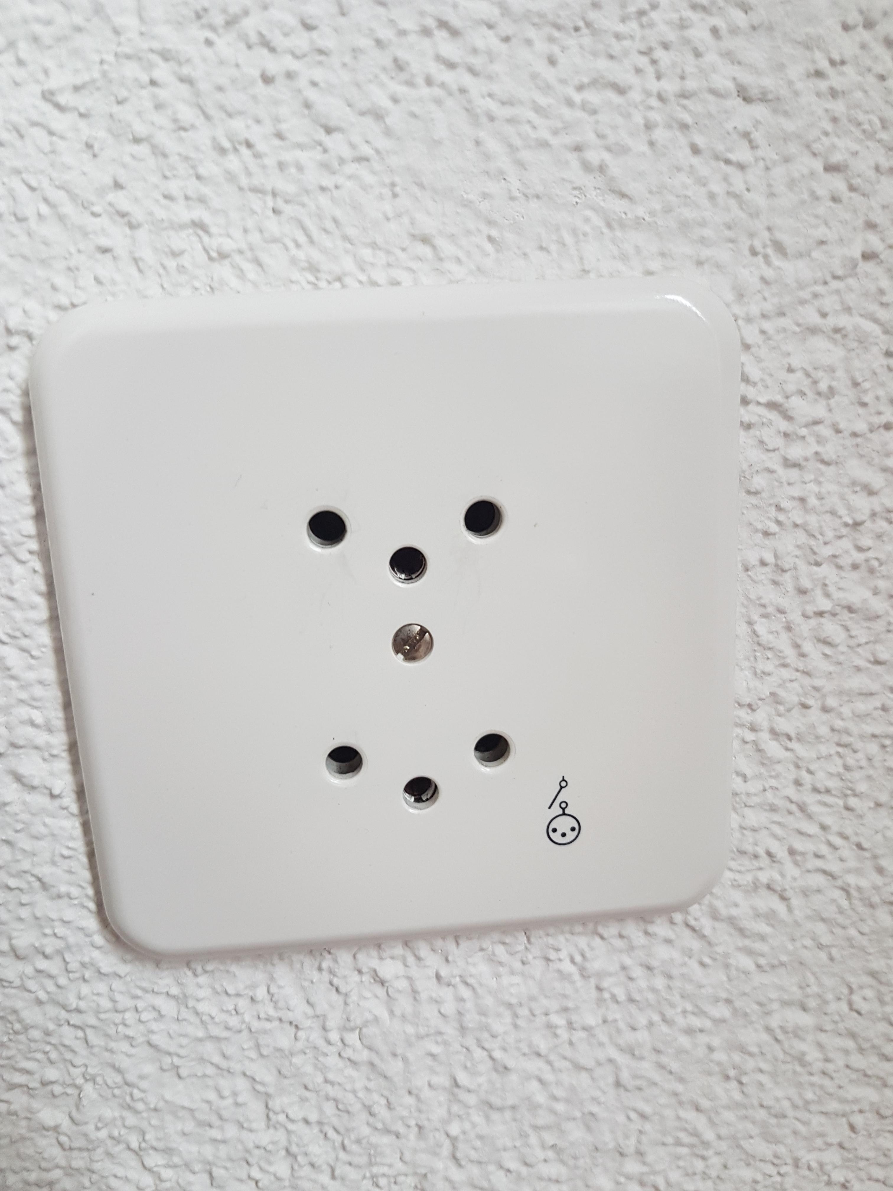 Berühmt Steckdose Geschaltet Zeitgenössisch - Elektrische Schaltplan ...