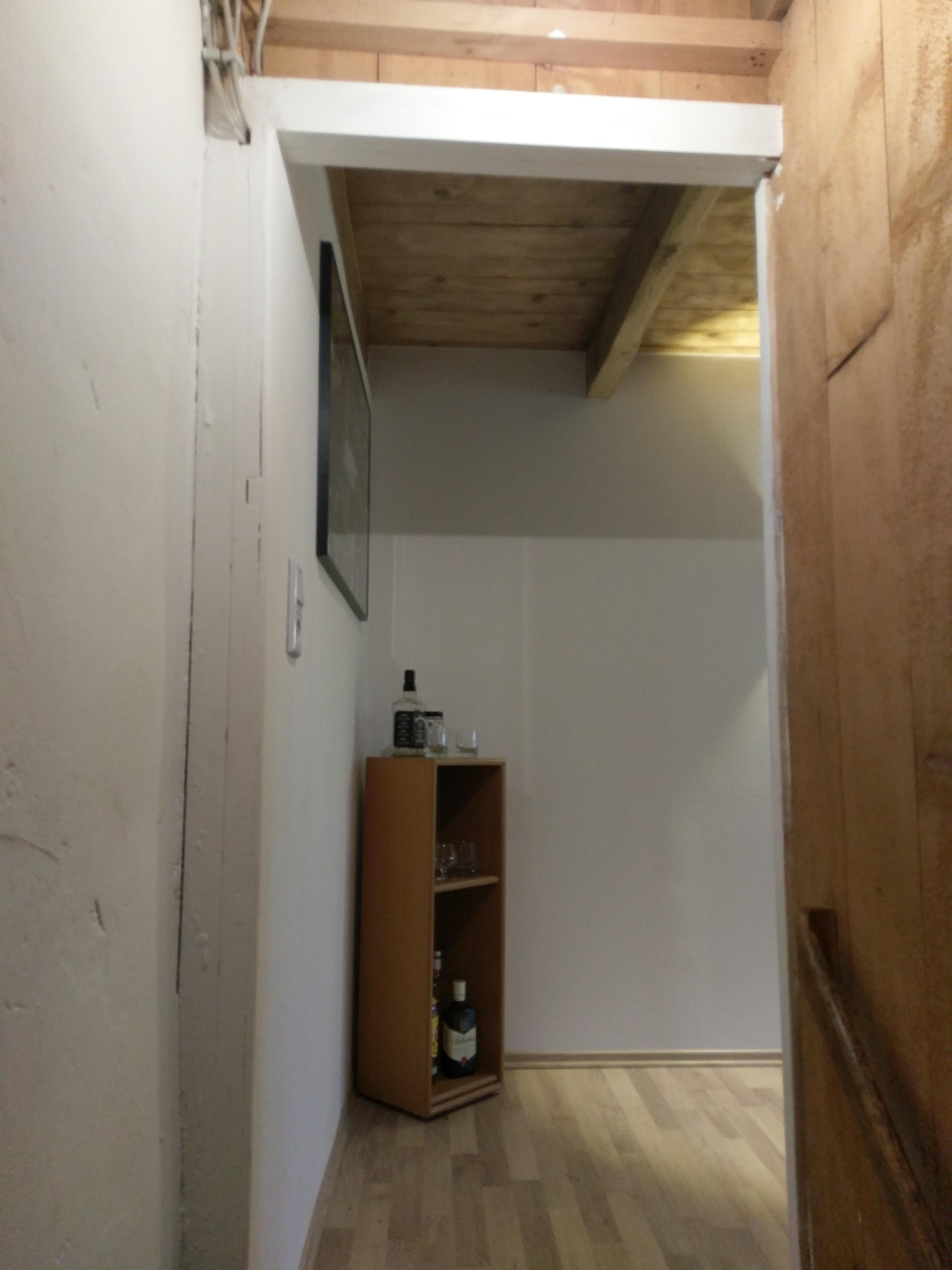 d mmen von fenster und t r vorraum wer weiss. Black Bedroom Furniture Sets. Home Design Ideas