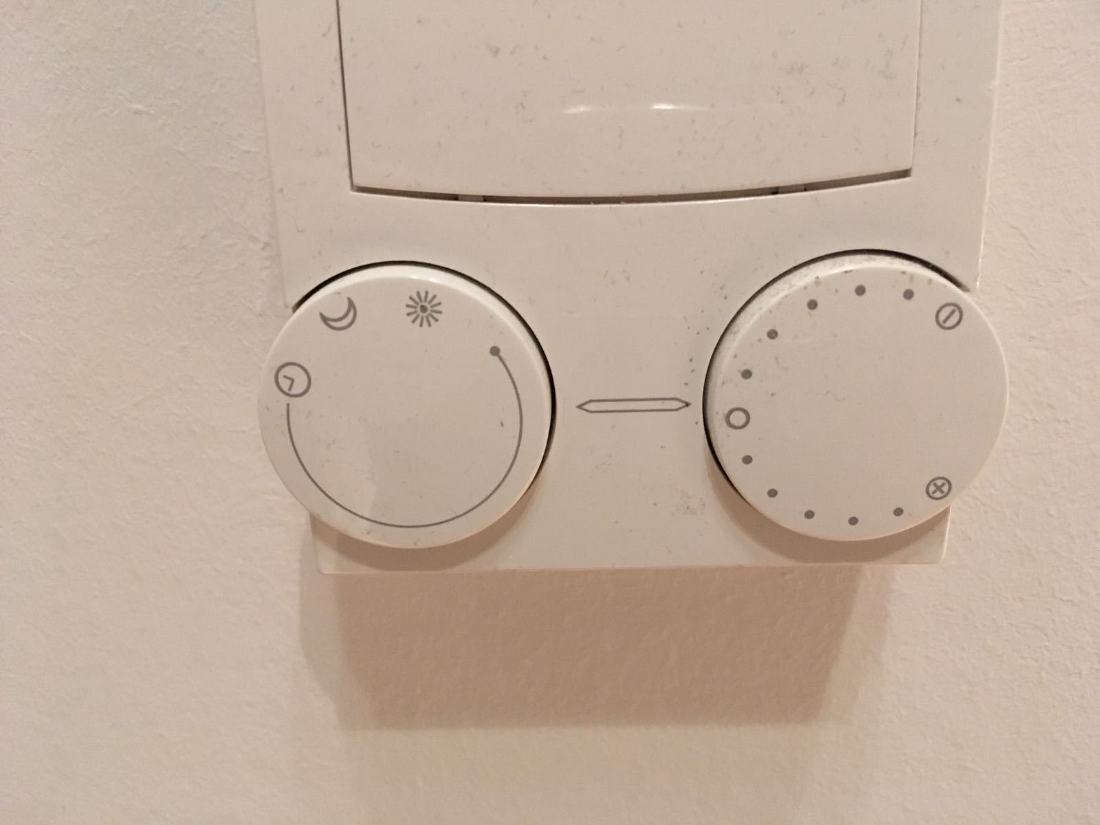 thermostat fu bodenheizung mit w rmepumpe wer weiss. Black Bedroom Furniture Sets. Home Design Ideas