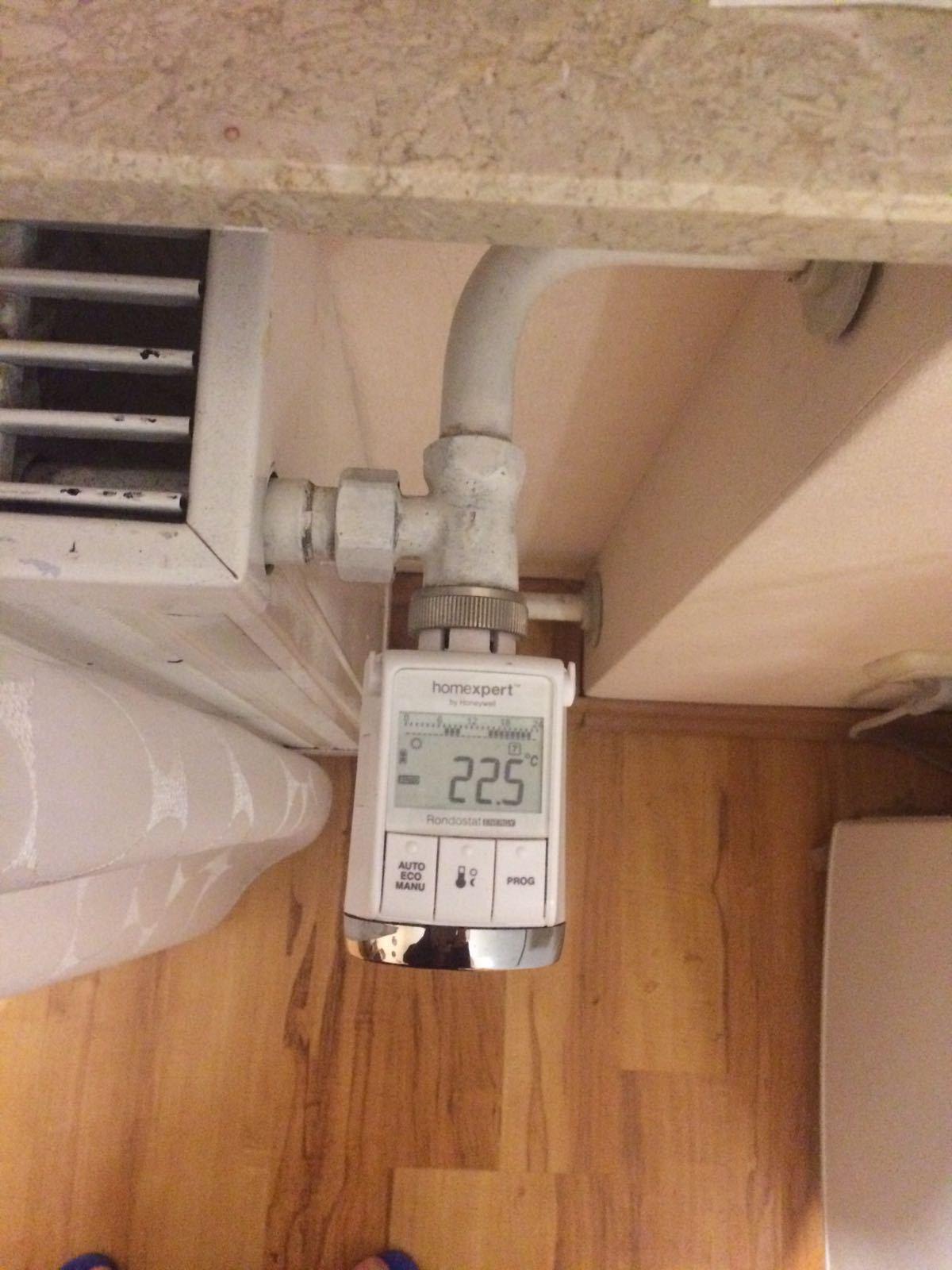 thermostat im weg wie beheben wer weiss. Black Bedroom Furniture Sets. Home Design Ideas