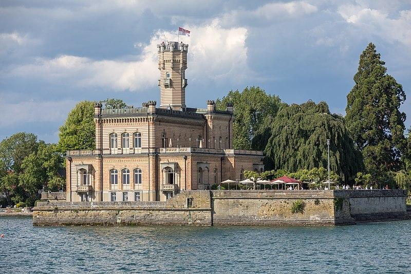 800px-Schloss_Montfort_am_Bodensee
