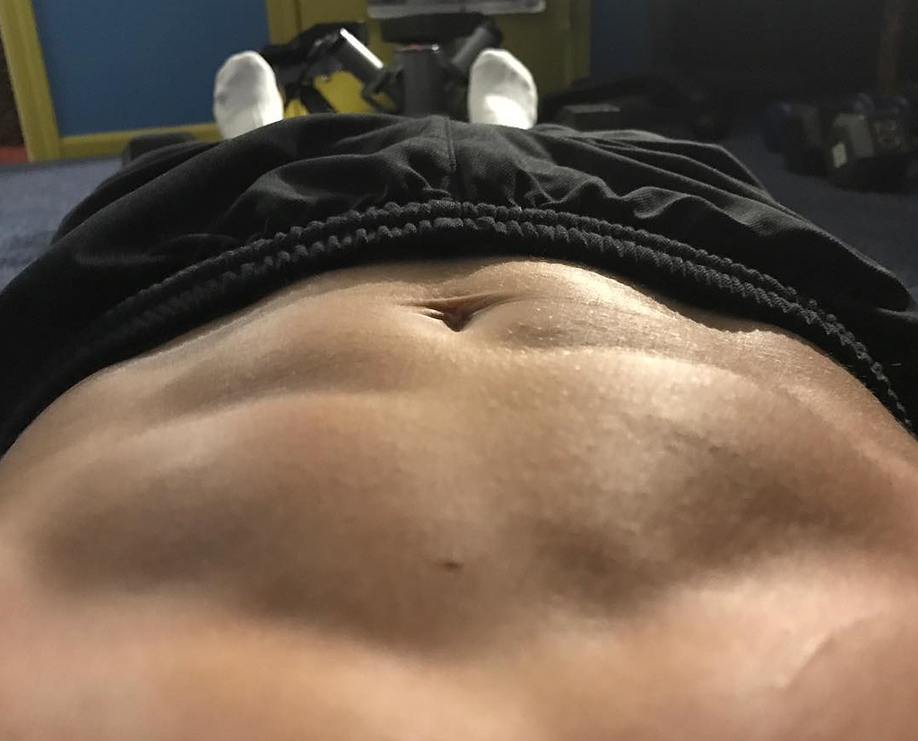 Mein Bauch ist nicht mehr richtig flach, ist das normal