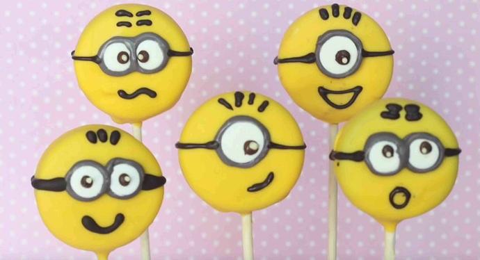 Minion Oreo-Pops