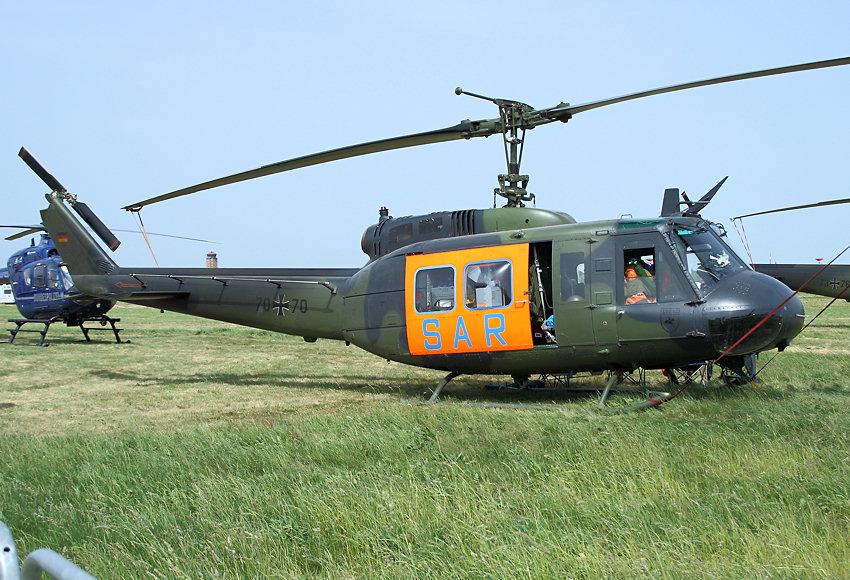 Bell_UH-1D_Iroquois_-_HUEY